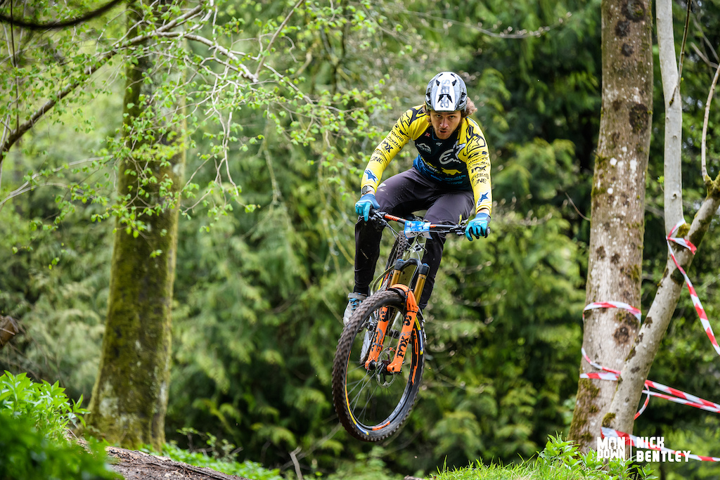 Wyn doing Wyn things and showing some style on his hardtail.