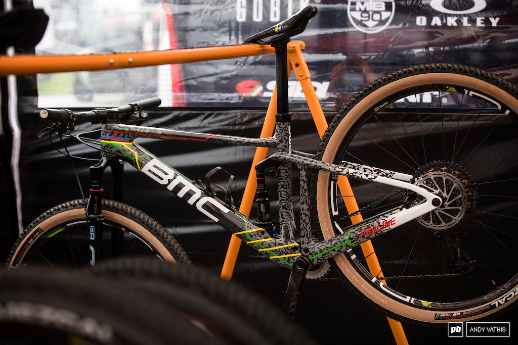 Pauline Ferrand Prevot naturally has a pair of matching BMC s. She ll be on the full squish variant this weekend.