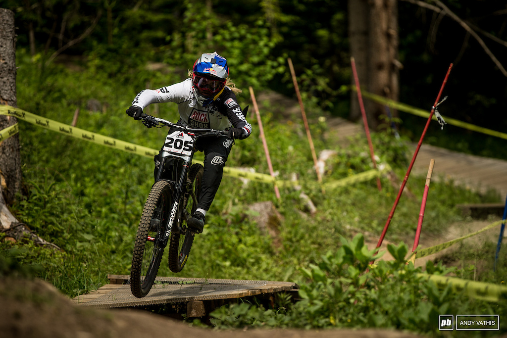 Vali Holl took her frustration out from her fall in Leogang on the course. She d win the Elite Women s race by two seconds.