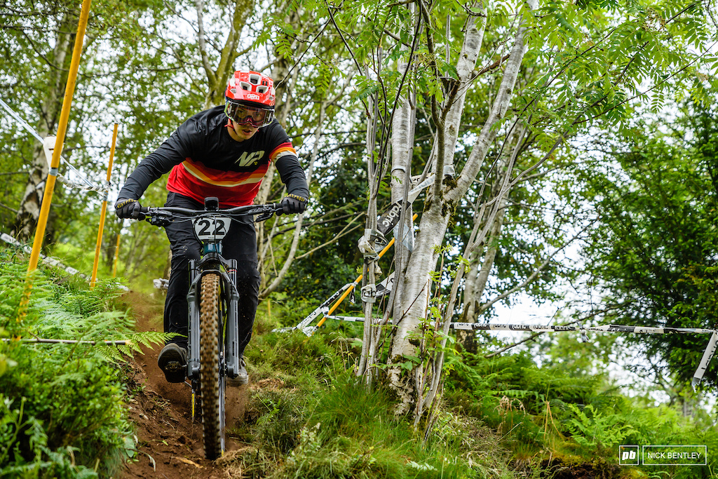 Mike Jones keeping it pinned through the afore mentioned shoot. it was a mixed day for the Nukeproof rider with a 5th place in the mens elite feild but taking the 3rd spot on the podium in the supper 100 shoot out.