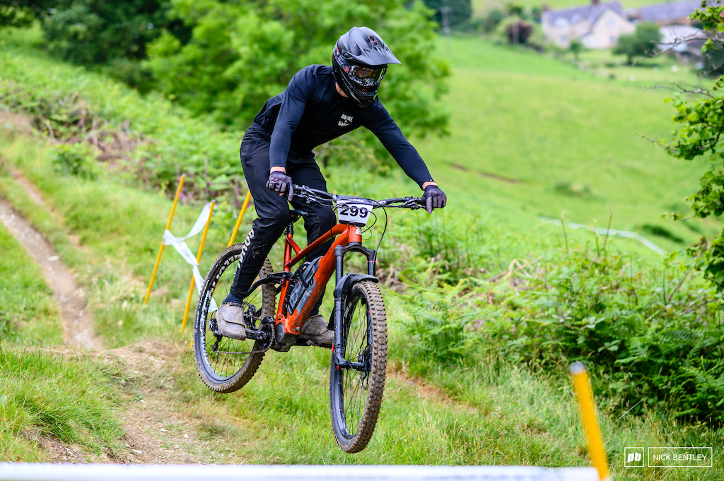 Davi Roberts from Action sports timing manged 5th in the Mens Ebike field as well as running live timing all day for the race top effort also good to see Davi back racing after a massive crash recently racing 4x.