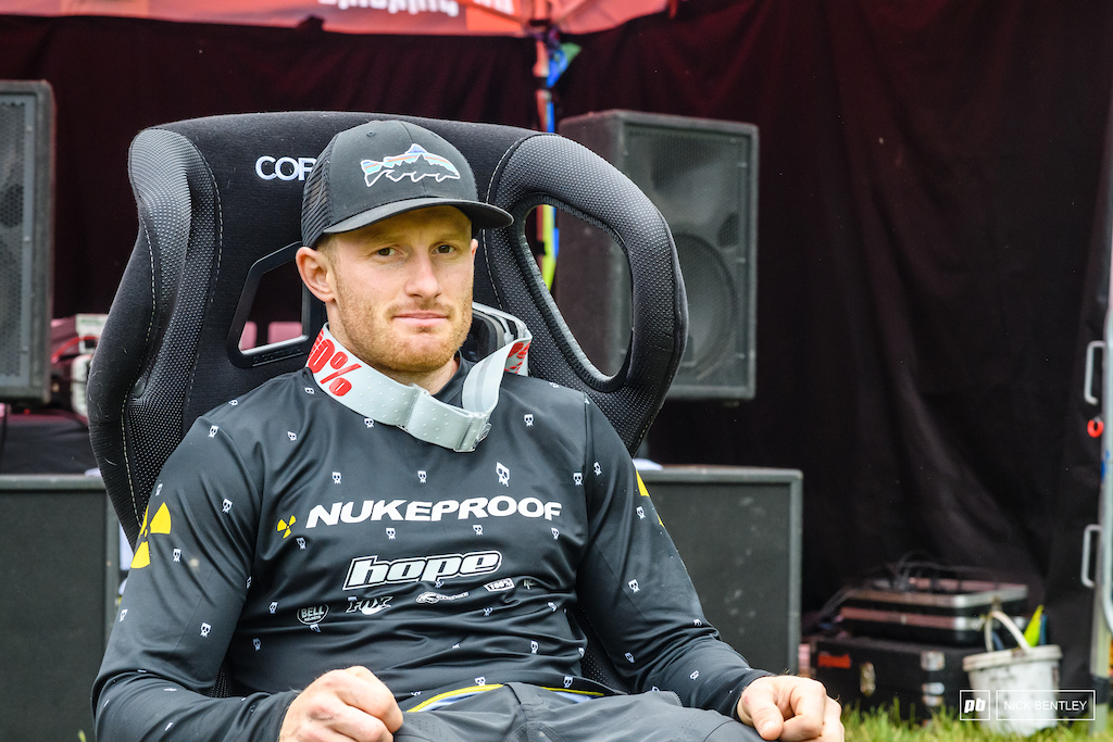 the plan was to make this look like Ad was sat in the Pinkbike hotseat but i suspect that it wouldnt have fooled anyone even more so becasue Ad was the last man down the hill in the super 100 final.