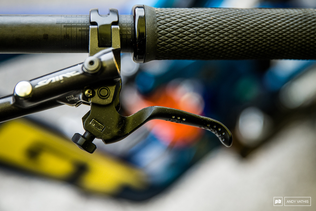 Noga Korem GT Fury - Flattened brake lever so it effectively finishes it s pull stroke closest to the bar.