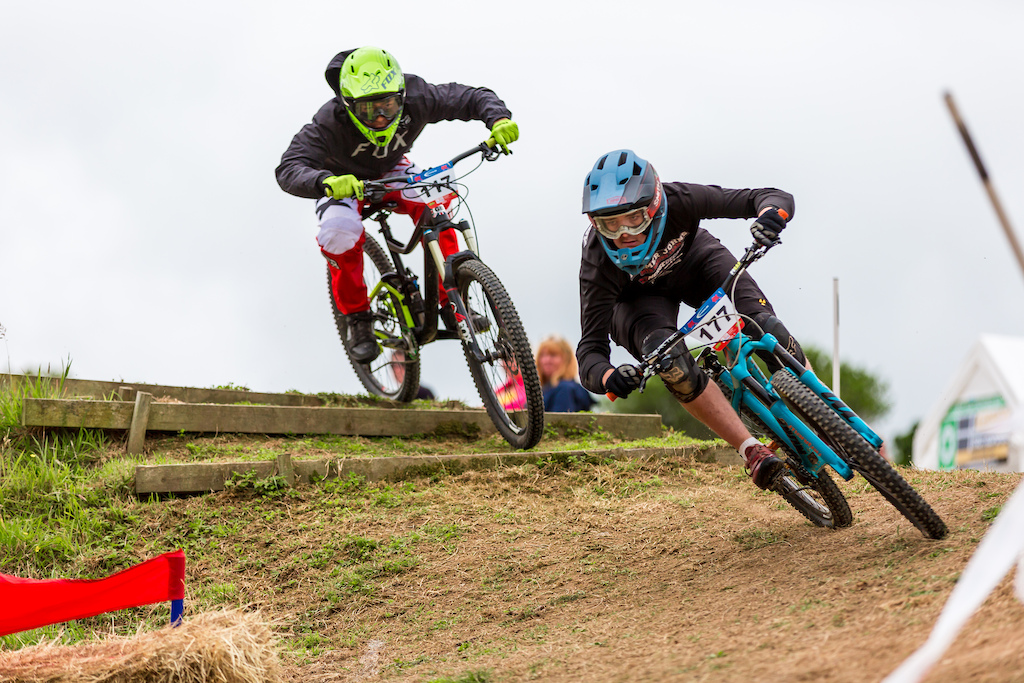 Joe Willoughby keeping his eyes on the exit of the coner on his way to takeing the clean sweep and winning both days in the 17-18 s feild