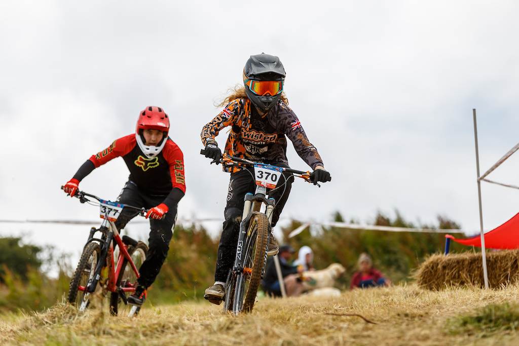 Harvey Gulliver Harry Kirby 13-14 battled hard all weekend in a decent sized field of young riders. its always something that stands out in 4X the young riders really give it there all and have a lot of fun and track time.