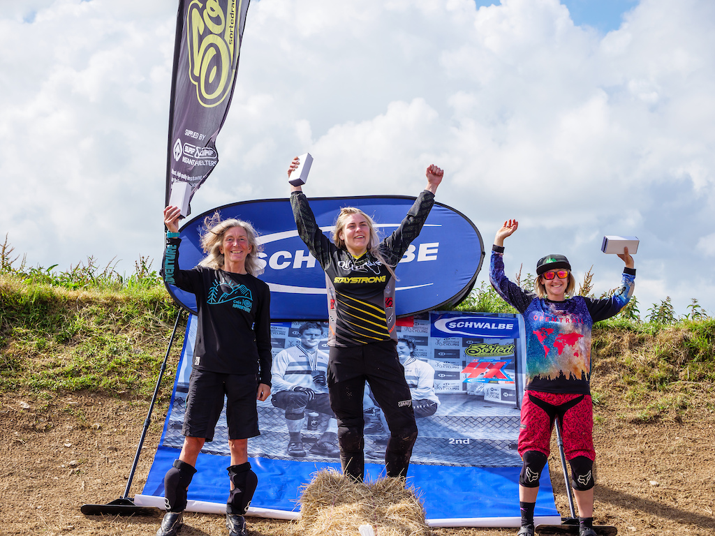 a First time winner in the British National Series Sophie Cade took the win on both days makes the women s elite serine tight at the top.