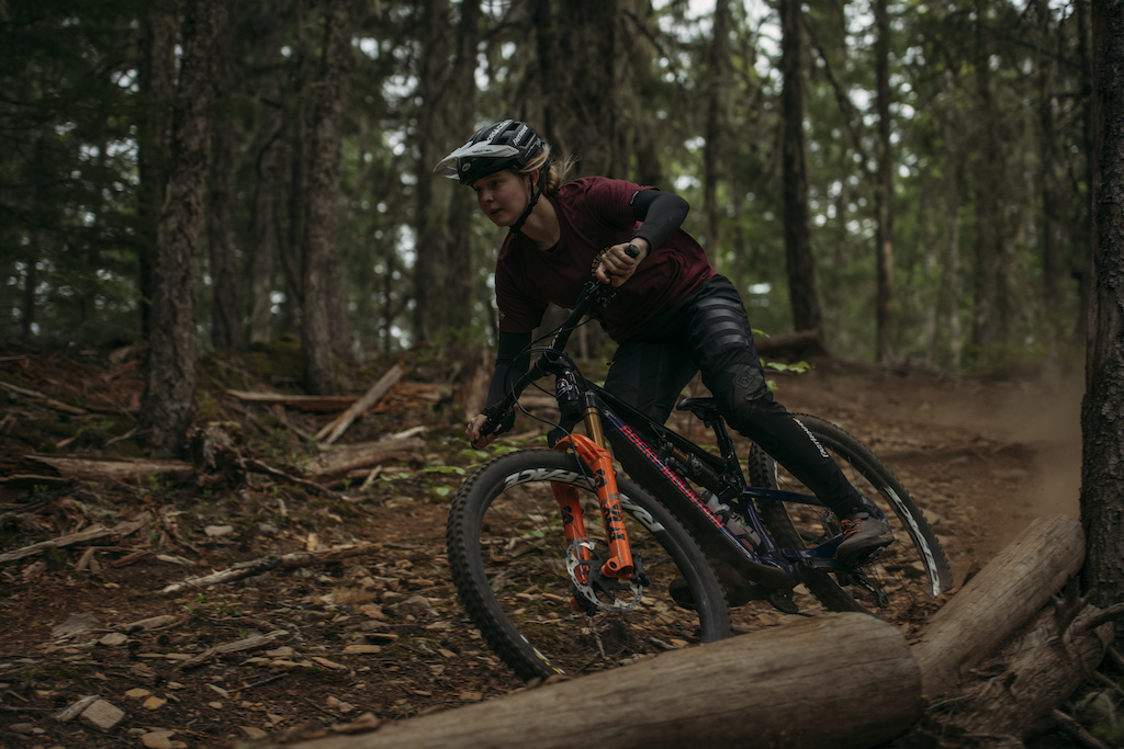 Lucy Vaneesteren rides an Altitude on her home trails in Squamish BC.