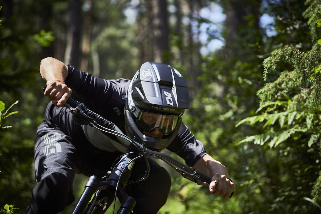 Sentinel Full-Face Helmet Photo Rene Deutschl nder
