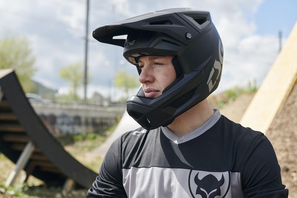 Sentinel Full-Face Helmet