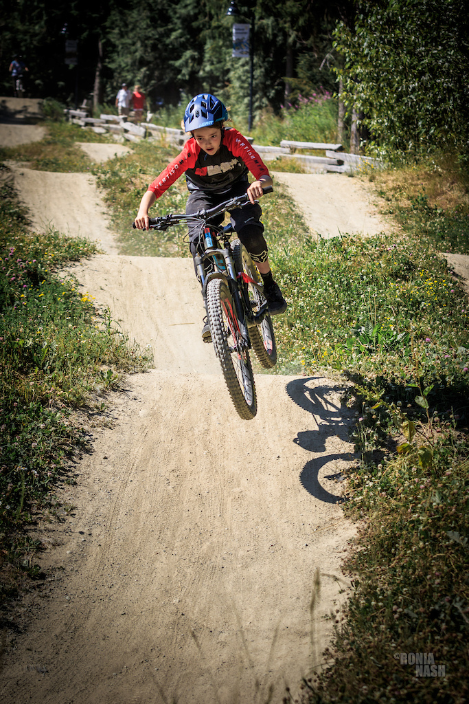 Zoe Steen warming up at one of our clinics last July. Photographer Ronia Nash