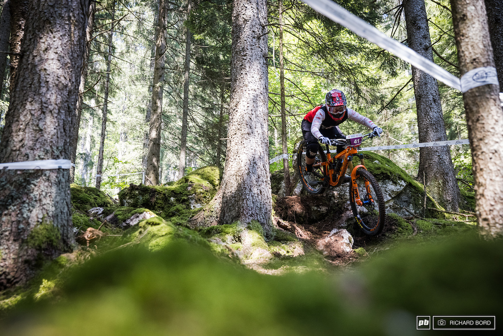 The 2020 French Enduro Champion Morgane Charre let her National title to Isabeau this week-end after a nice battle. She finished 3rd.