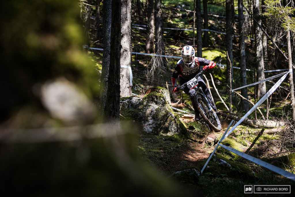 This guy here is a 4X legend. The 2018 Four Cross World Champion in front of Tomas Slavik still rides fast but on a different bike. 38th this week-end in Thollon-les-Memises.