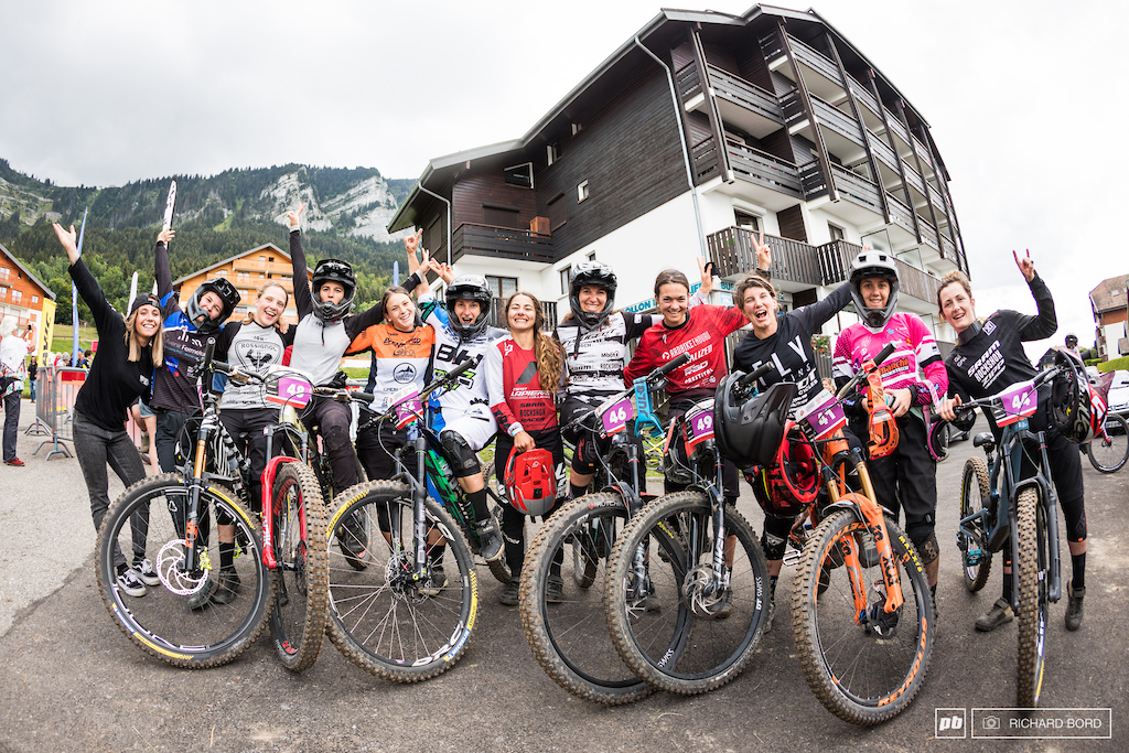 This is how the girl spirit shines in the MTB world. Girl power
