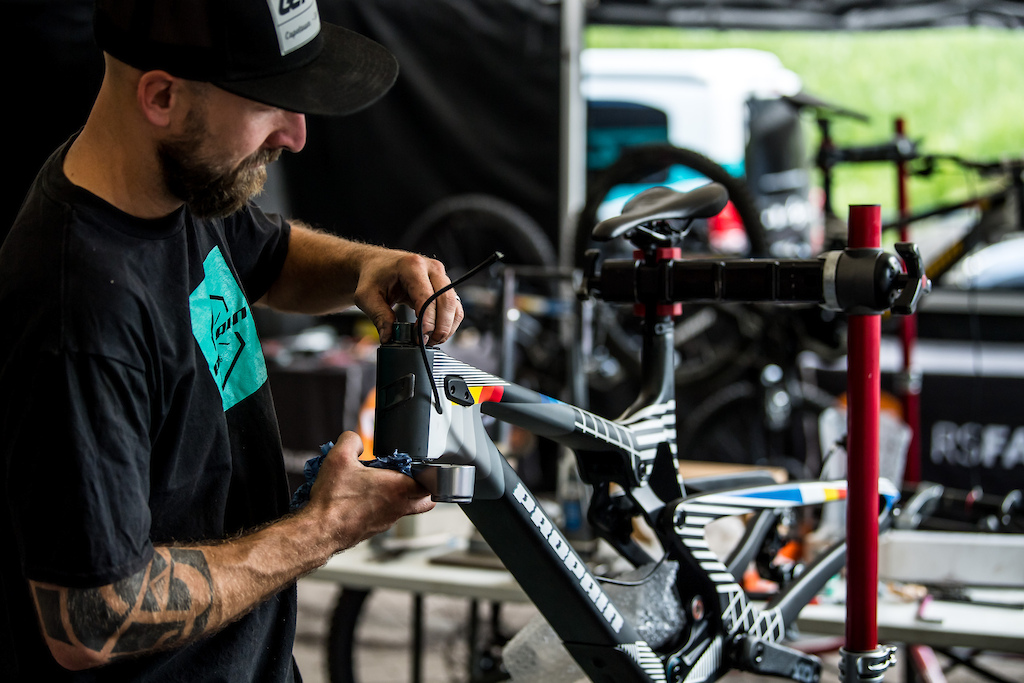Custom PROPAIN Factory Racing DH Bike for World Champs