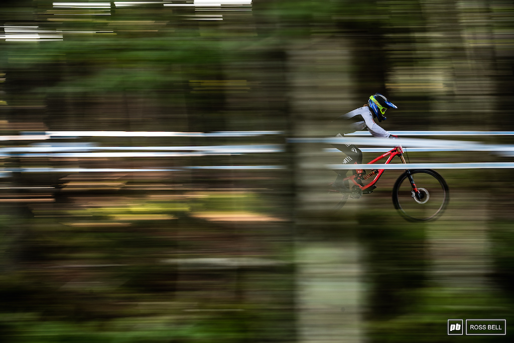 Veronika Widmann blasting through the trees at the very start of the track.
