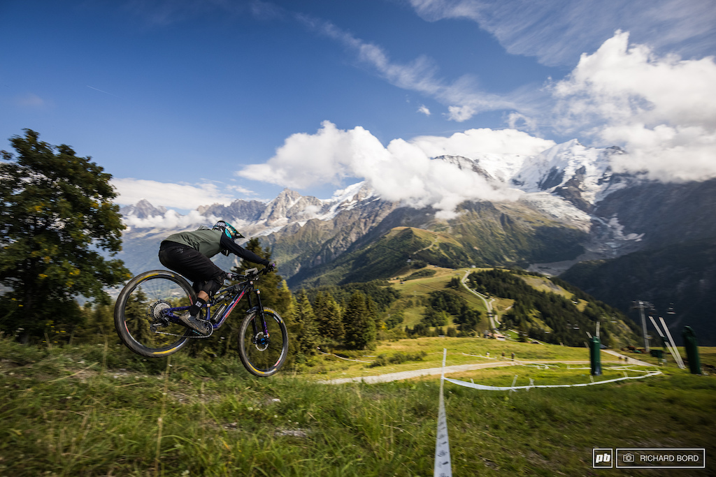 Stage 3 on Saturday gave us the photographers a bit of some breathtaking landscape to play with. Sorry but it s just the Mont Blanc massif right in front of you