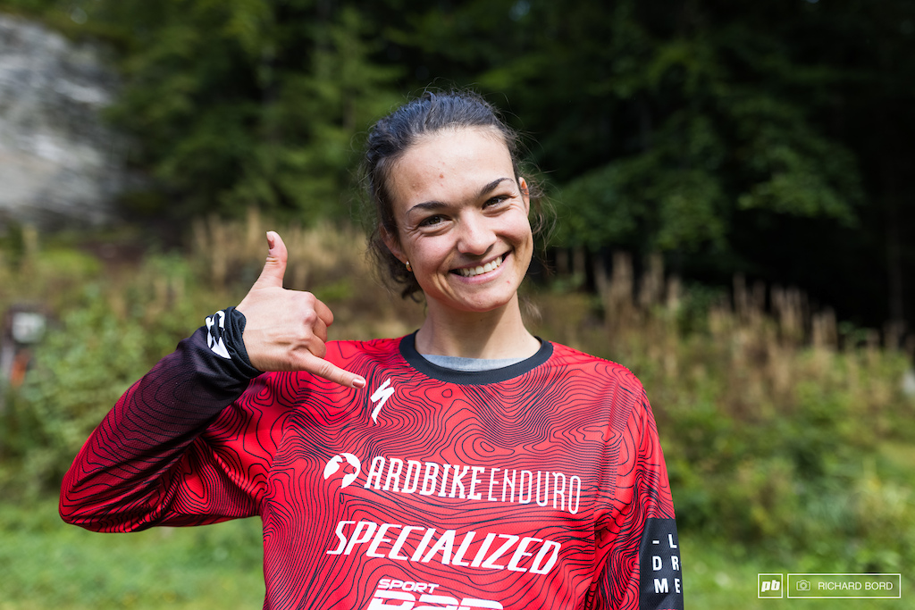 One happy girl here Axelle Murigneux finishes 3rd this week-end and wins the Enduro Series 2021 overall. She ll have the number one plate next year for the 1st time
