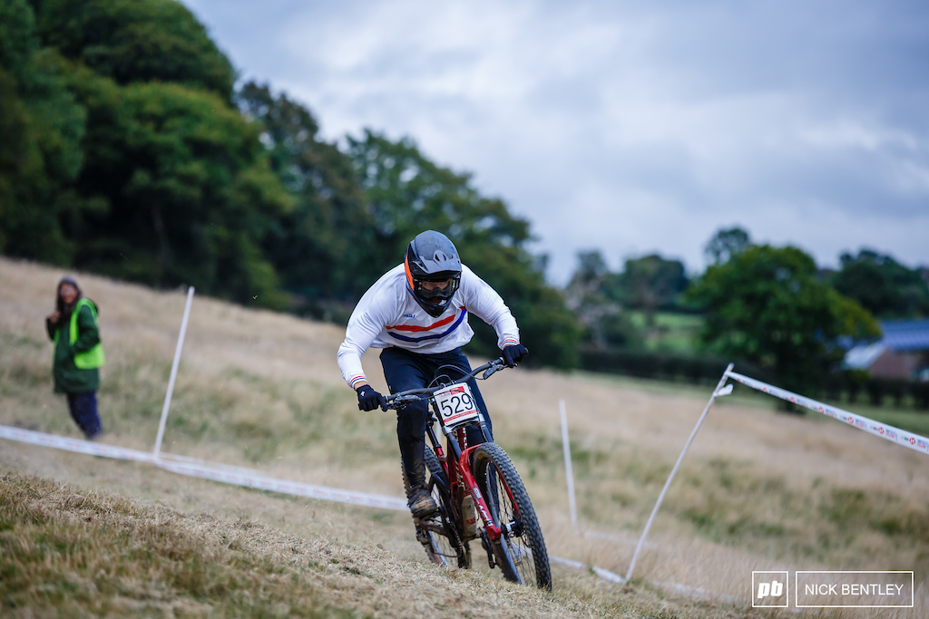 Junior National Champ Preston Williams taking on the classic grass corner finish on his way to taking yet another win