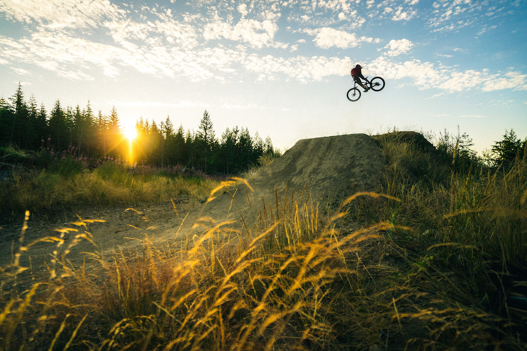 Skye Schillhammer riding the sky of Blue Steel.