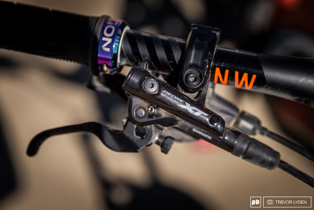 4-Piston XT Brakes clamped onto PNW Components bars cut to 750mm with Ergon grips.