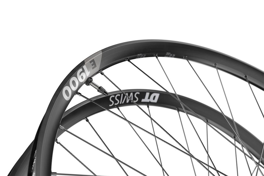 DT Swiss 1900 Spline Wheelset