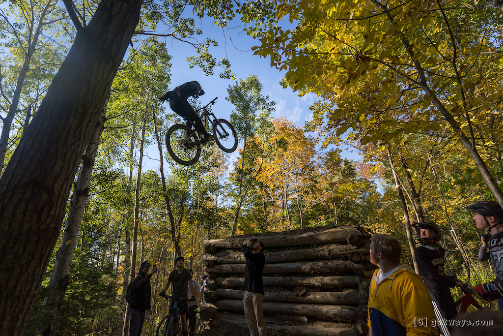 Air DH Whip-Off and Best Trick durant le Marmota Fest 2021. Quebec City Mountain Biking. Rider S bastien Lafontaine.