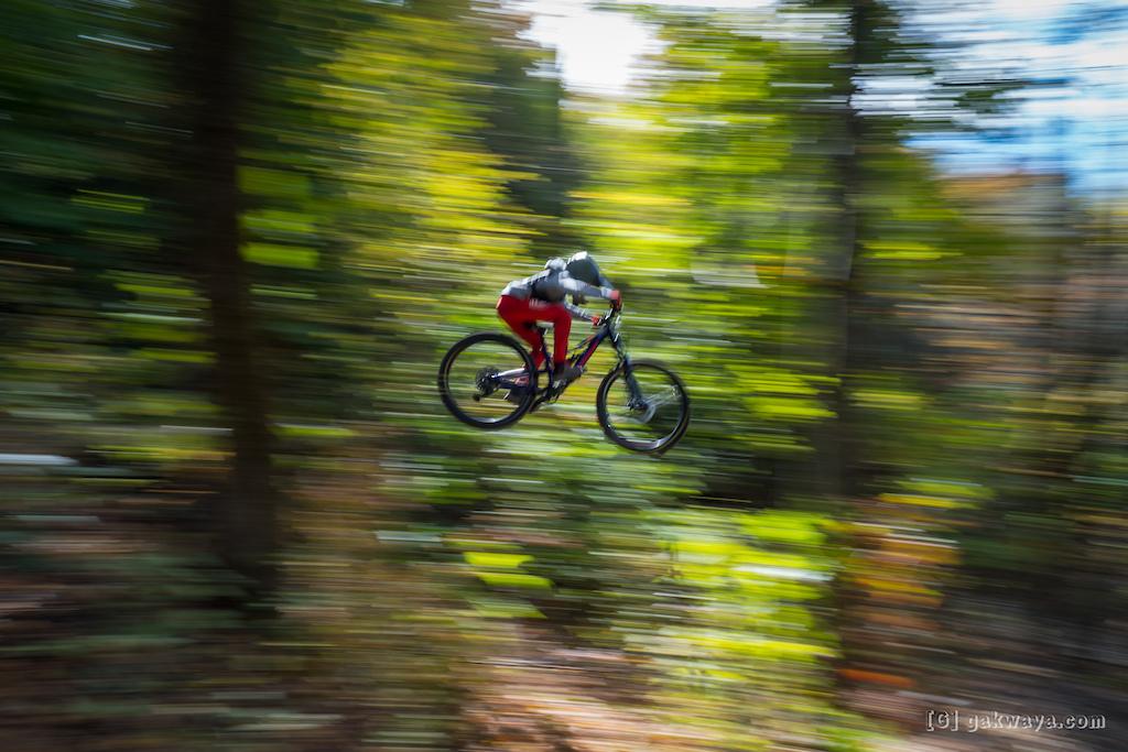 Air DH Whip-Off and Best Trick durant le Marmota Fest 2021. Quebec City Mountain Biking. Rider Th o B dard.