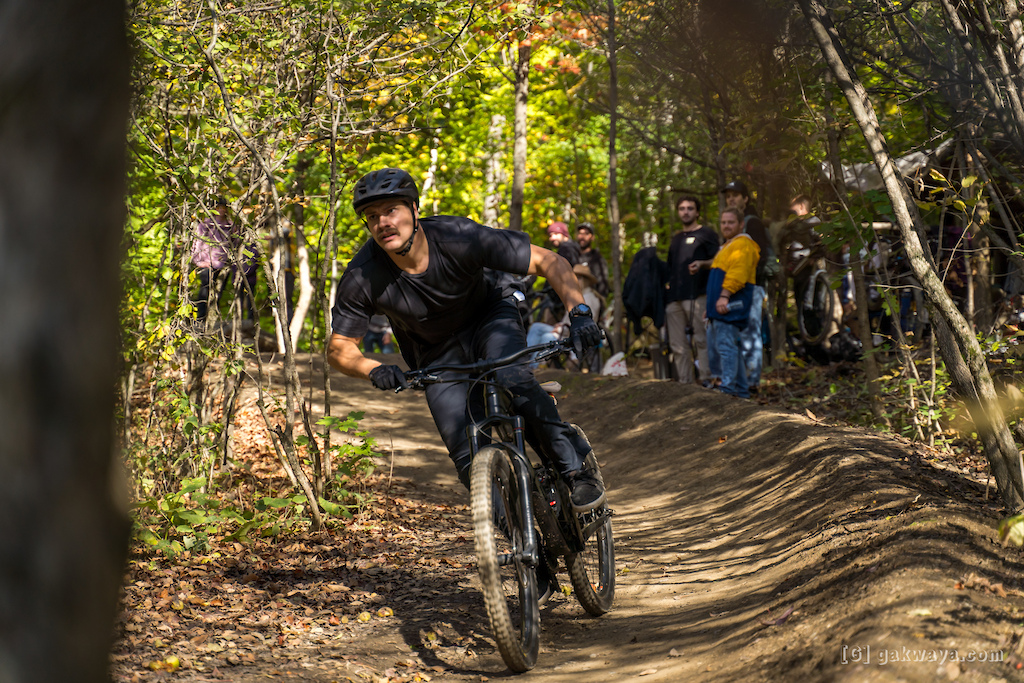 Air DH Whip-Off and Best Trick durant le Marmota Fest 2021. Quebec City Mountain Biking. Rider Mathieu Tremblay.