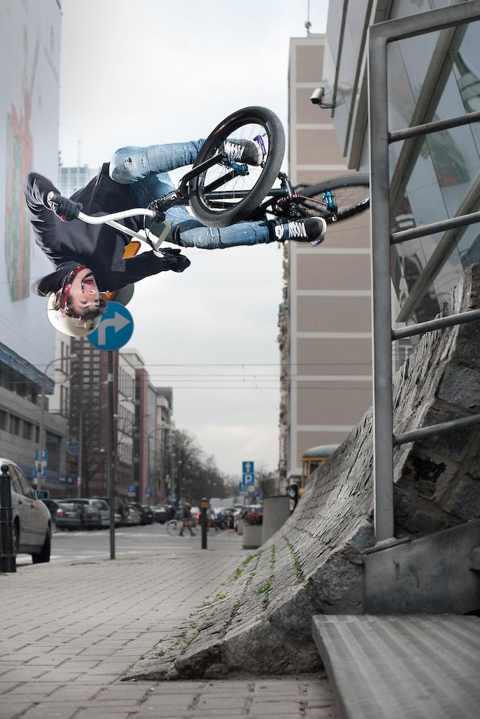 "Street flair by Dartmoor rider  Rafał ""Skejcik"" Kierc. foto by Janek ""Elvis"" Kiliński"