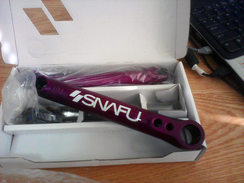 FOR SALE: BRAND NEW Snafu Mayweather chromo crankset in a sick anodized purple, length 170mm.