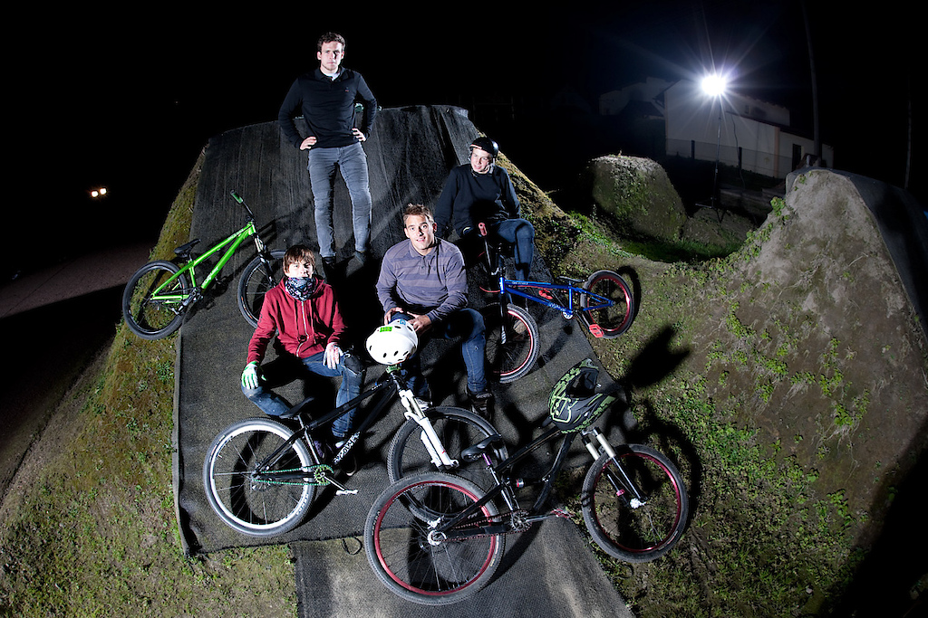 Night jam at Shamanns' backyard. dartmoor-bikes.com