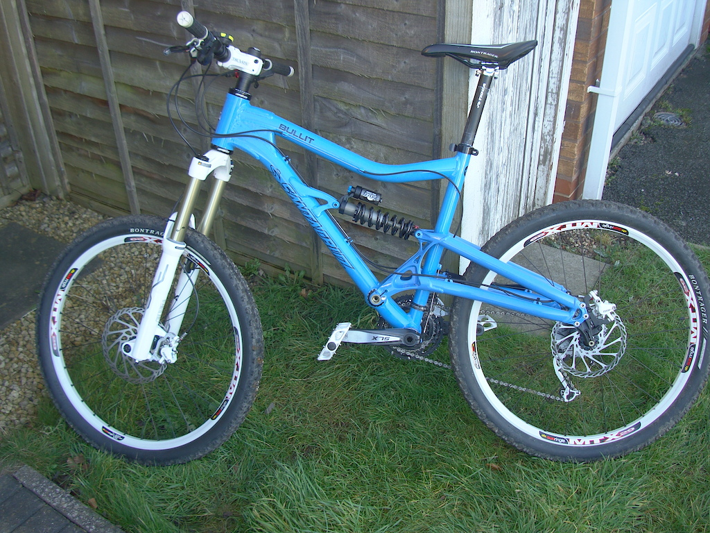 My New Bullit. Changes to come- cut steerer once I find my preferred bar height, Easton monkeylite DH bar, drop the big from the fron and add a bash ring.