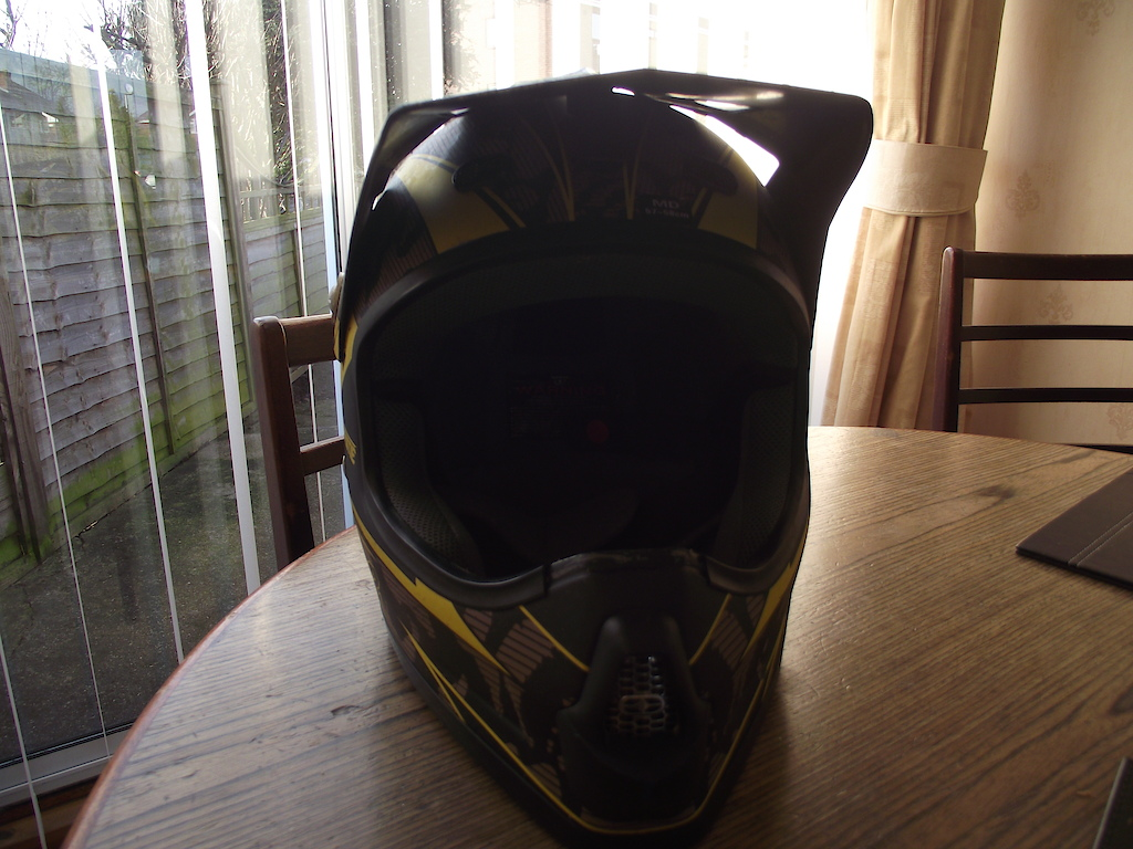 no fear full face helmet.
