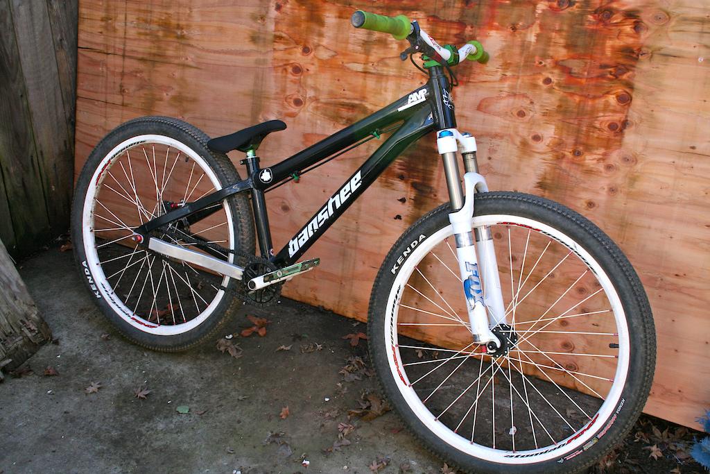 My 2011 Banshee Amp! Huge thanks to Rob at Banshee Bikes!