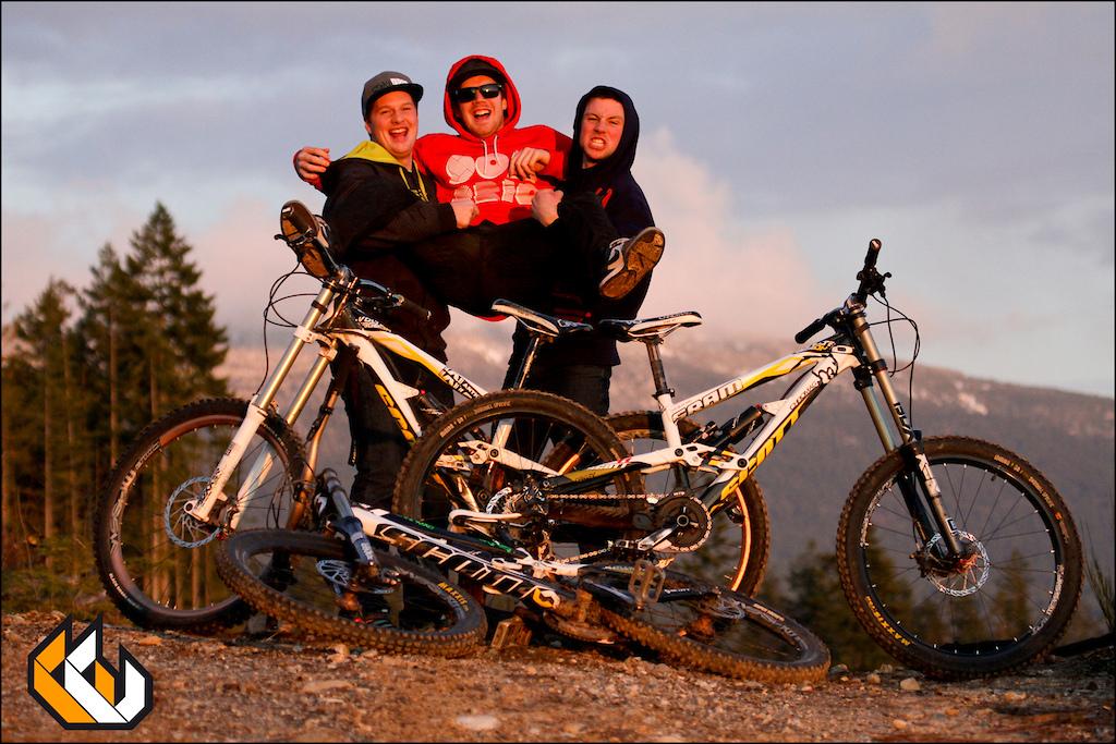 Dyl, Norbz & Curt