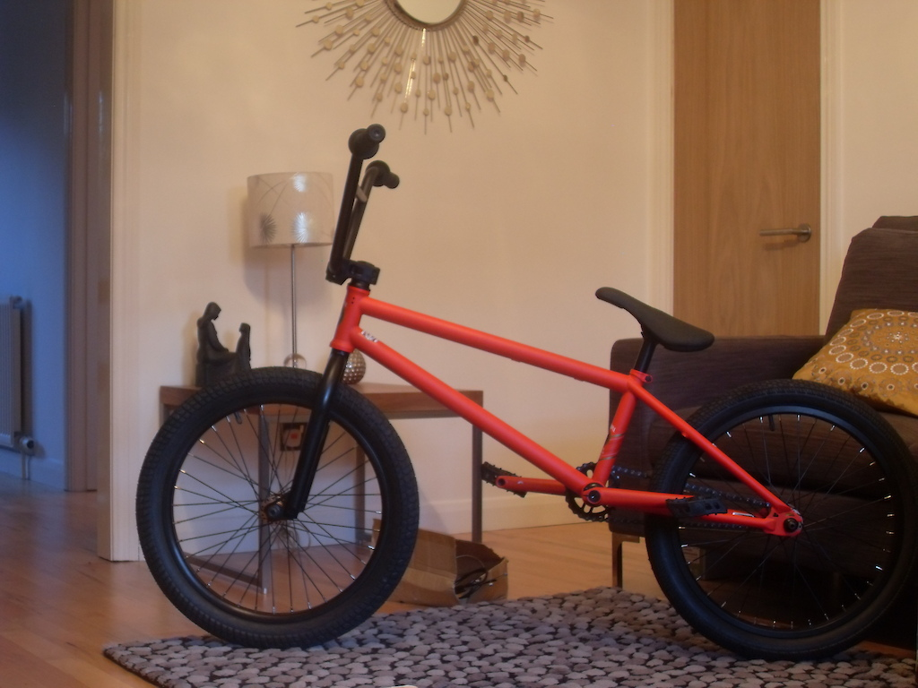 Brand New WTP Trust 2010 ...it came in a subrosa box lols