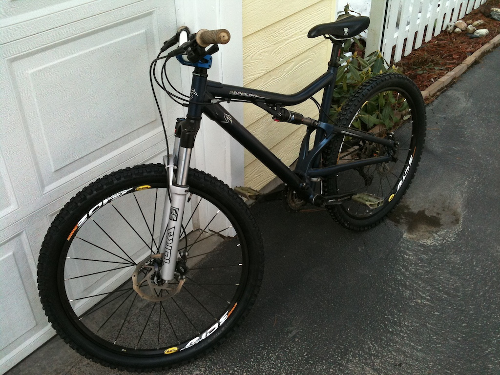 My bike Sense 2010, Just got some new Tires and next a hopefully a for and wheel set for some enduro DH