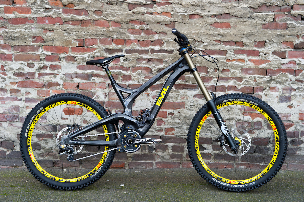 c12cec57327 Evil Undead - Pinkbike's Exclusive First Look - Pinkbike