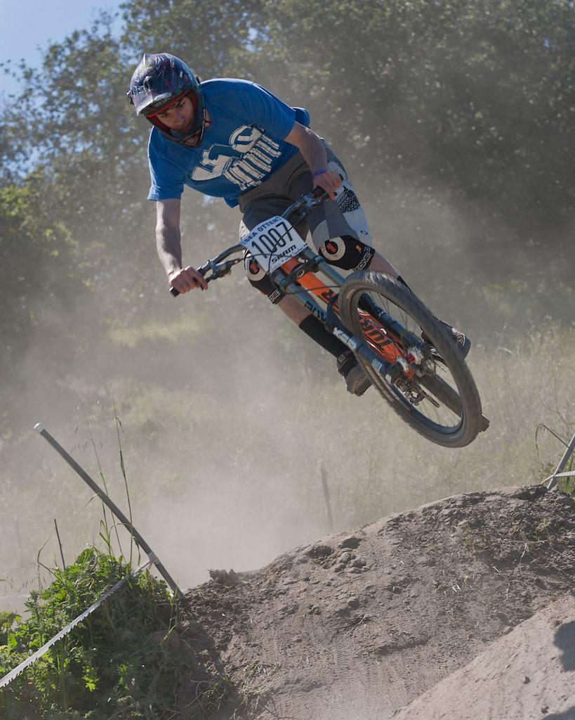 SHREDDIN  http://bikeguy.smugmug.com/SeaOtter2011