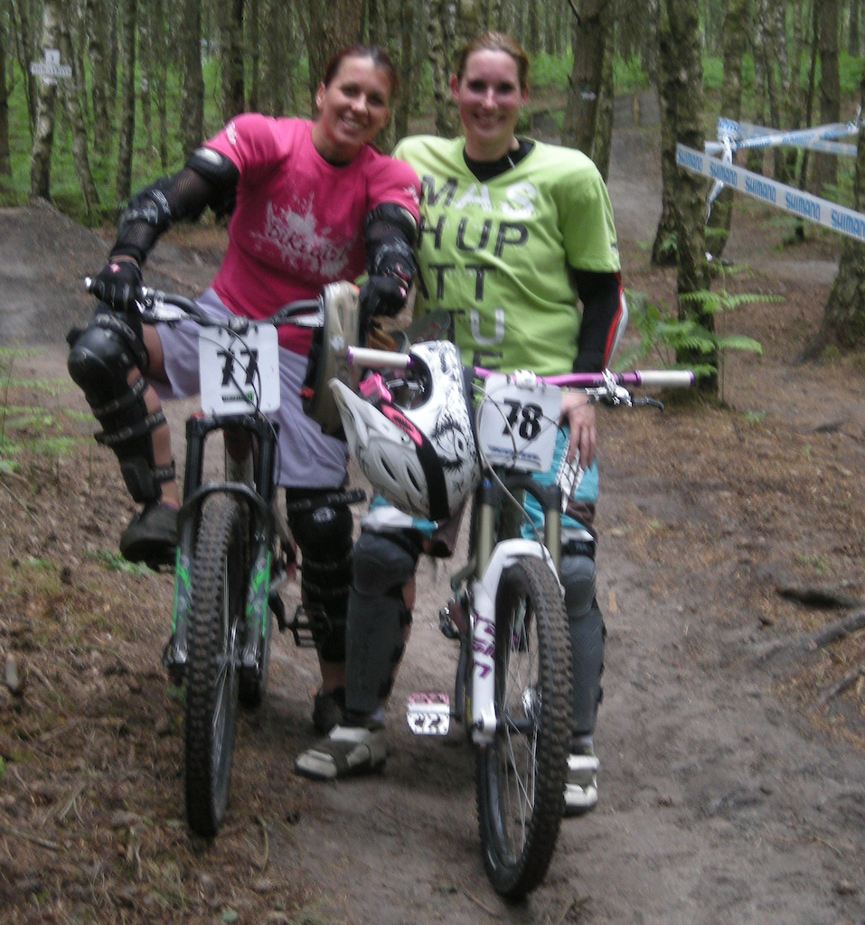 Mini DH Race on the Filthy Trails ... we had a lot of fun!!