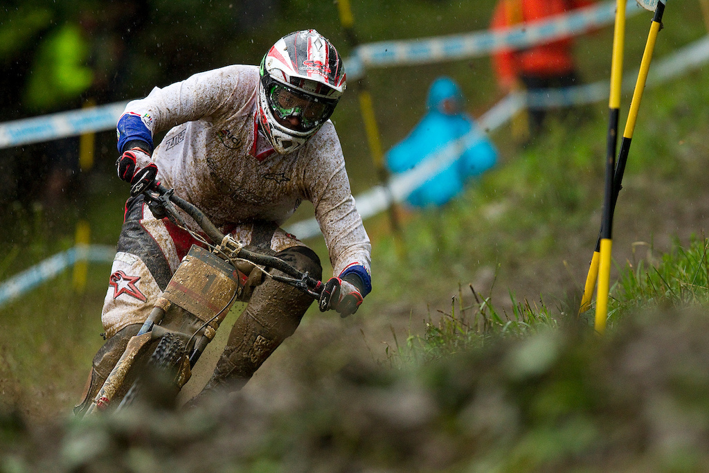 Greg Minnaar is featured battling heavily for the World Cup and World Championship title in both 2009 and 2010 and narrowly missing out each year for both titles. Champery 2010, rainy qualifiers.