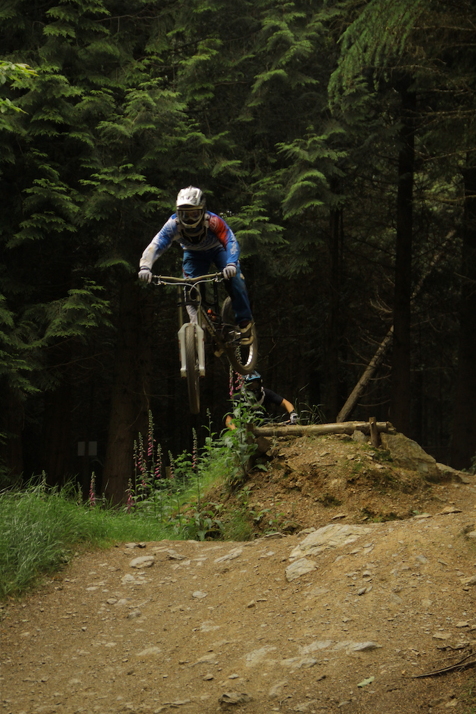 Bank holiday weekend training down around Tavistock in Devon with Josh Ash riding for Devinci and Haven Distribution.