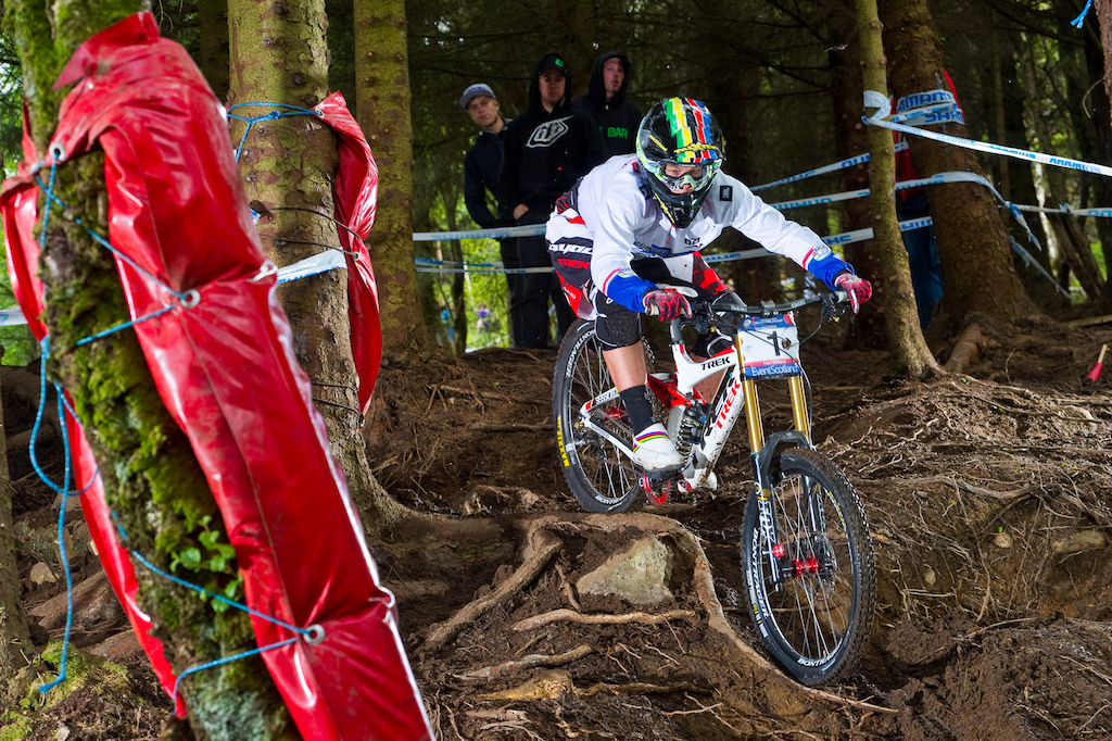 The roots hung up more than one rider but it was here that Tracy Moseley pulled ahead of Rachel during her race run.