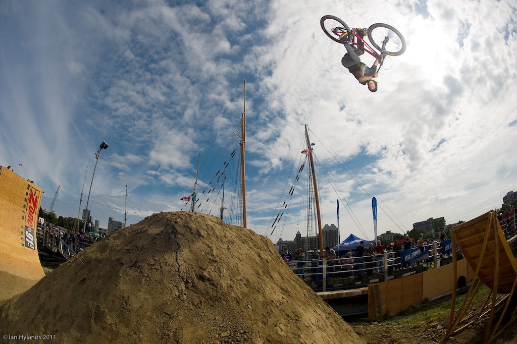 Brandon Semenuk. This will be Brandons first event of the 2011 FMB World Tour and he s here to get some points on the board before heading to 26 Trix in Austria next week.