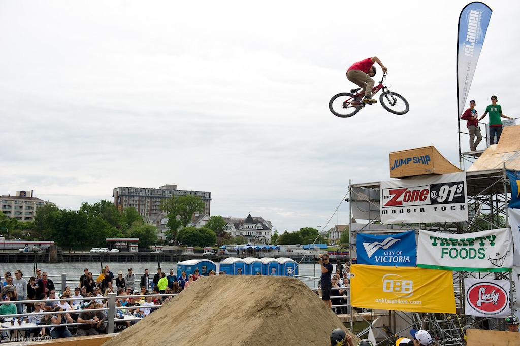Brandon Semenuk 360 off the drop.