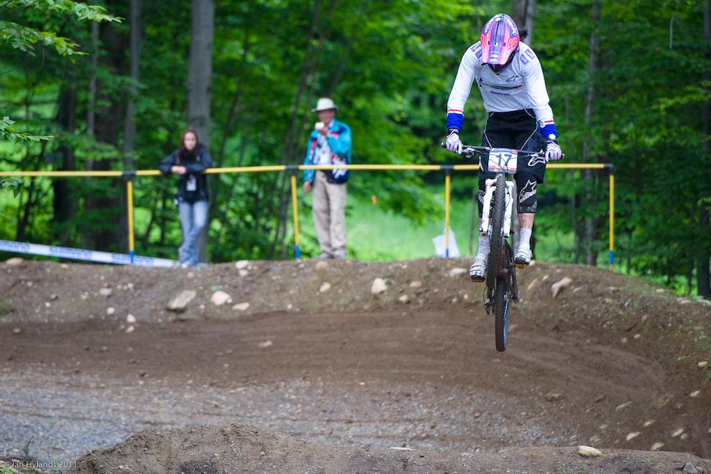 Anneke Beerten qualifies fastest in 4X