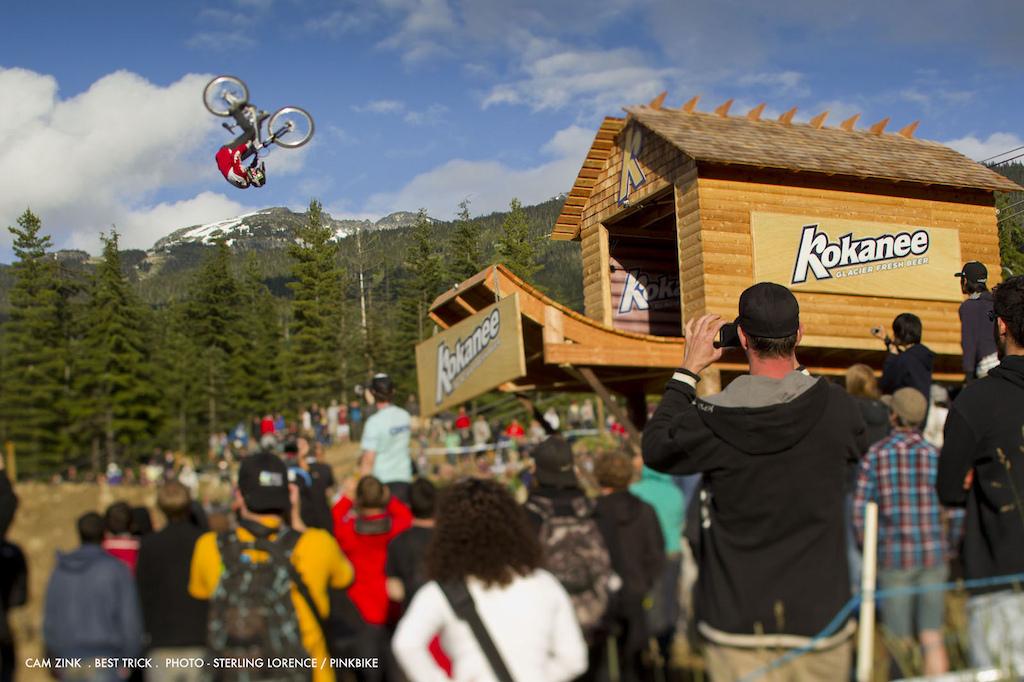 cam zink winning trick on the second stunt at crankworx best trick contest