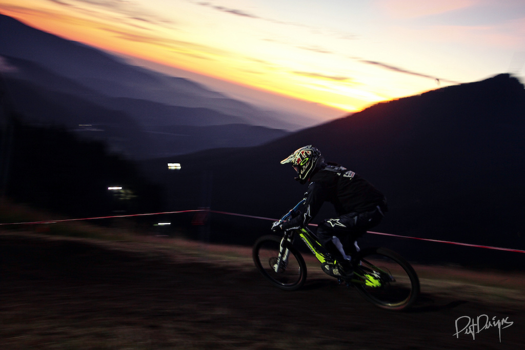 24h Downhill. Race The Night 2011