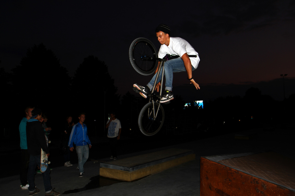 Tuck no hander from the flyout