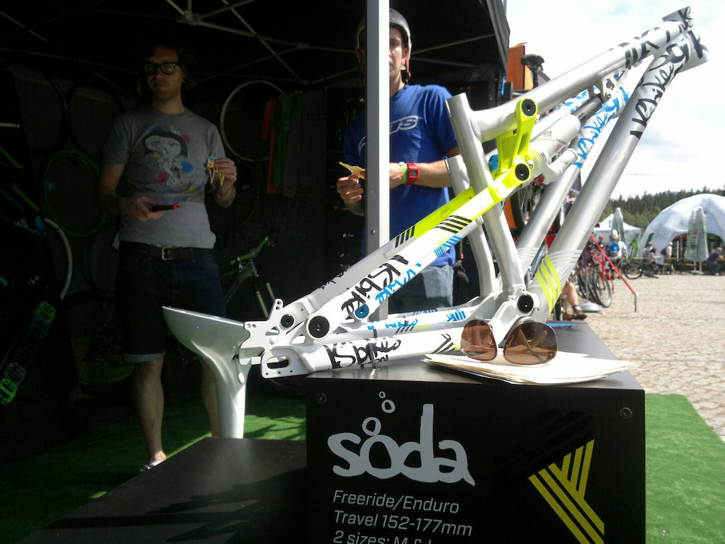 Final prototypes of our 2012 NS Bikes Soda frames have finally arrived. Those of you who came to XV Lech Bike Festival in Szklarska Poreba, Poland have a chance to see these beauties live.